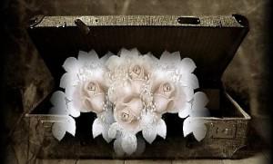 baul-con-bellas-flores